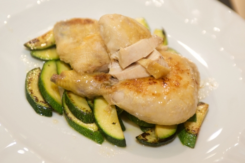 Galletto glassato al limone con zucchine dorate